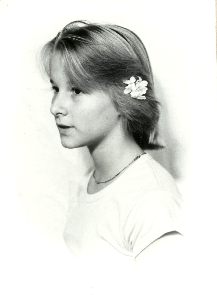 Photo credit: William Wurst. Loretta Boyer McClellan, age 13. (from the author's personal photo collection).